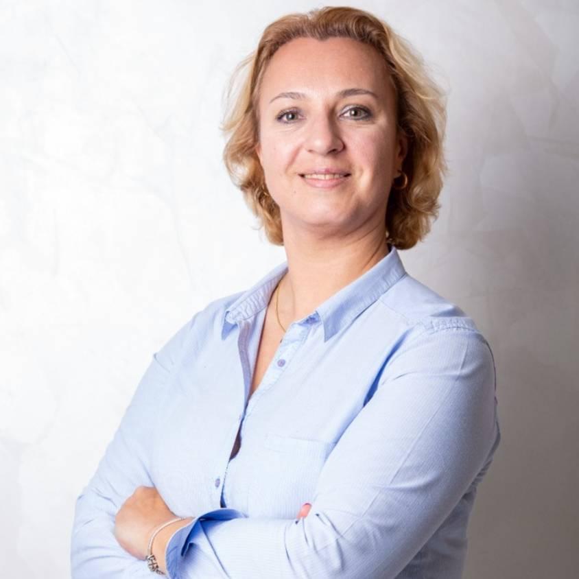 Gulbar Shamelova
