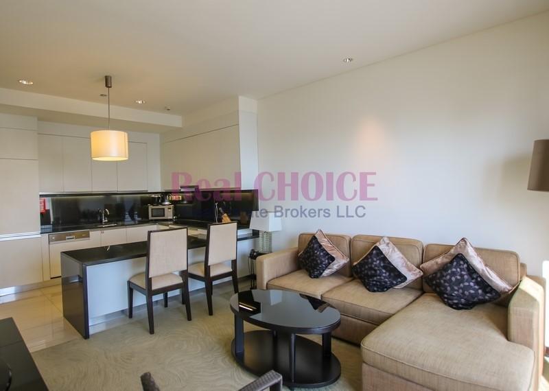 Direct Marina Mall link/Bright Serviced Apartment