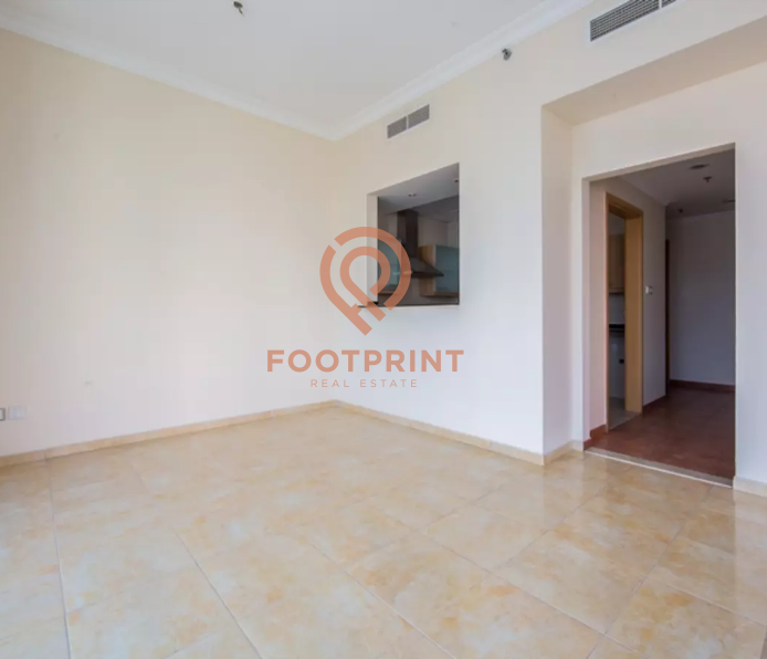Light And Bright Spacious 2 Bed Room unit