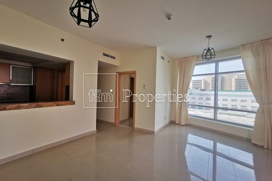 Unfurnished 1BR with Marina view ready to move