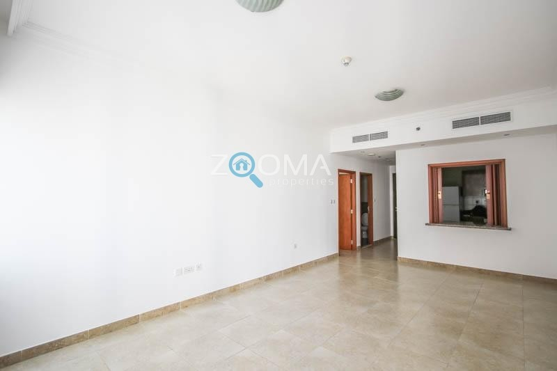 Semi Furnished| Spacious 1BR| High Floor