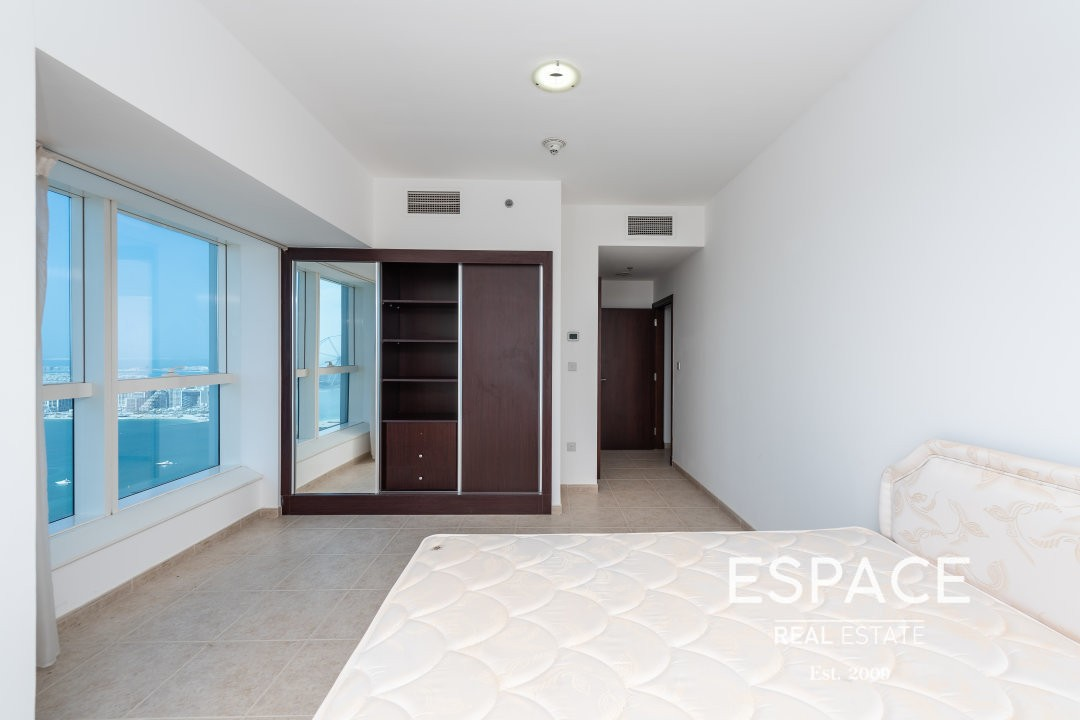 Full Sea View - Vacant - Unfurnished Apt