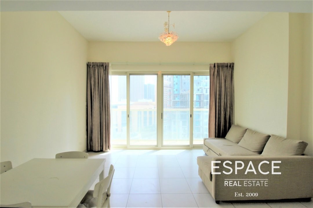 Fully furnished | Near Metro | Mid Floor