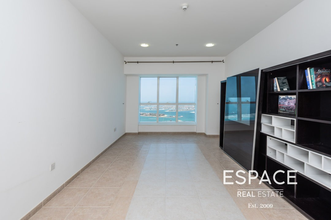Full Sea View| Kitchen Equipped|Near Tram