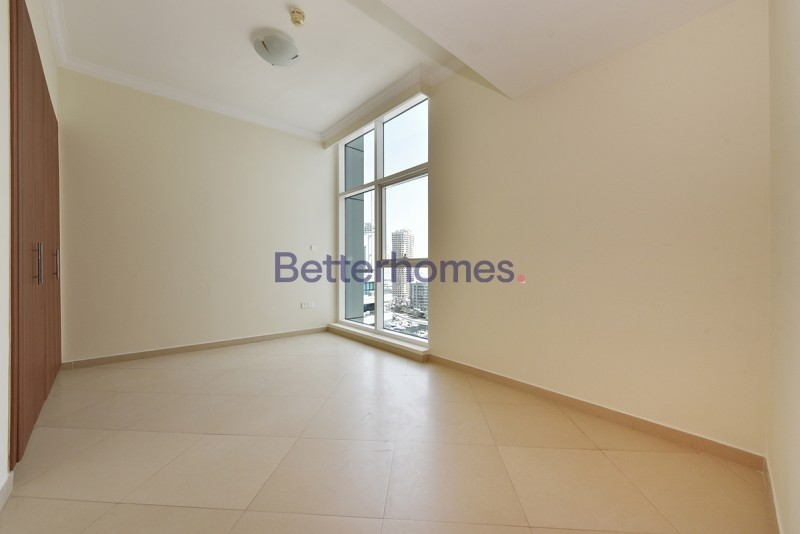 Unfurnished | With Study | Two Parking Spaces | Sea View
