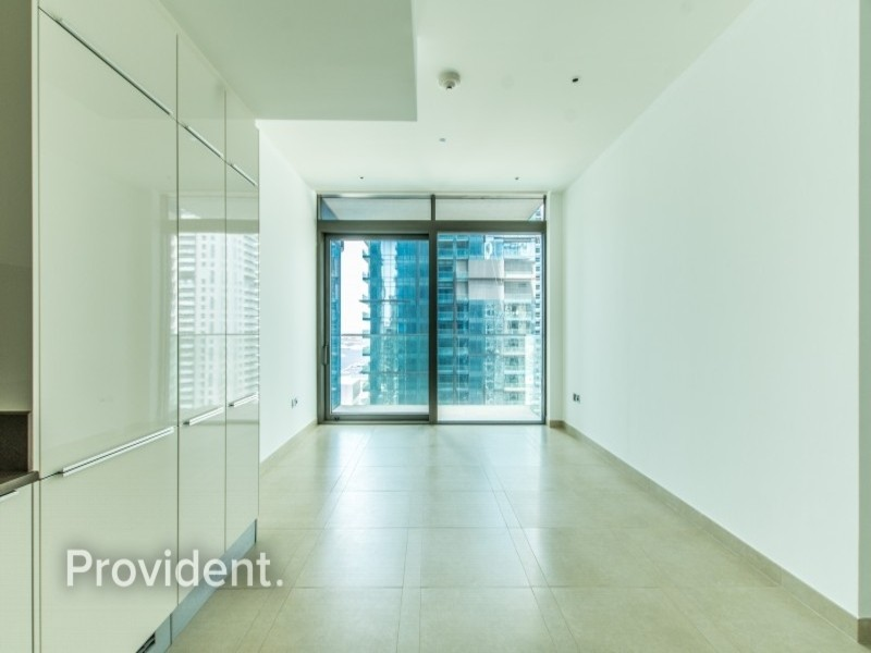 Exclusive with Provident   Vacant   Large Studio
