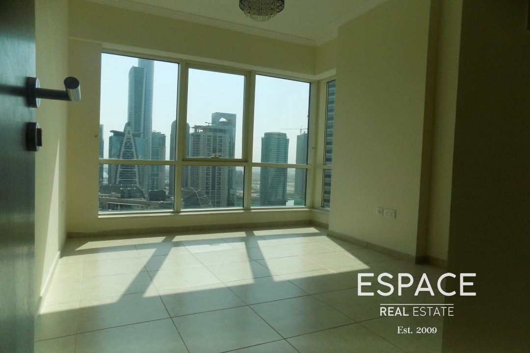 Near Metro | Kitchen Equipped | Chiller Free