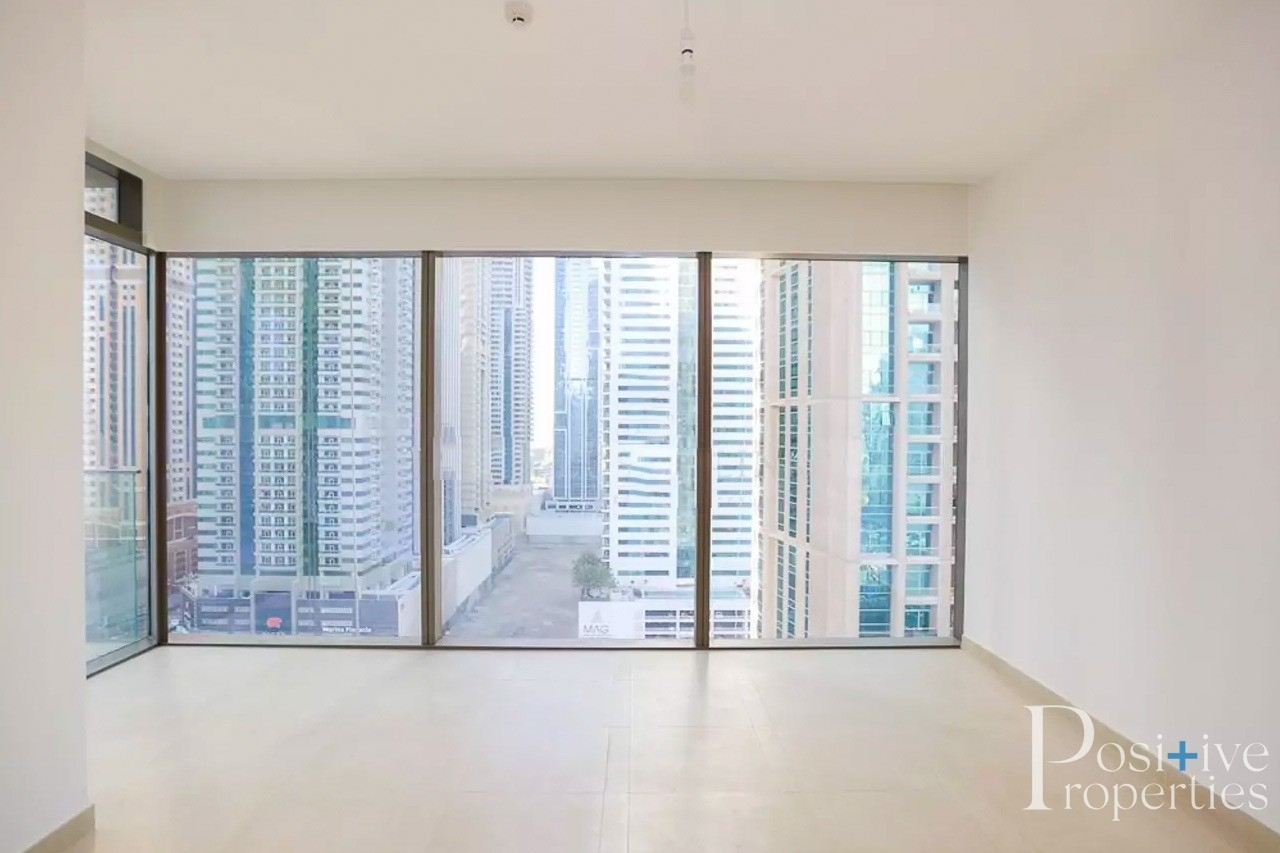 2 Bed- Unfurnished/Furnished- Vacant Mid April