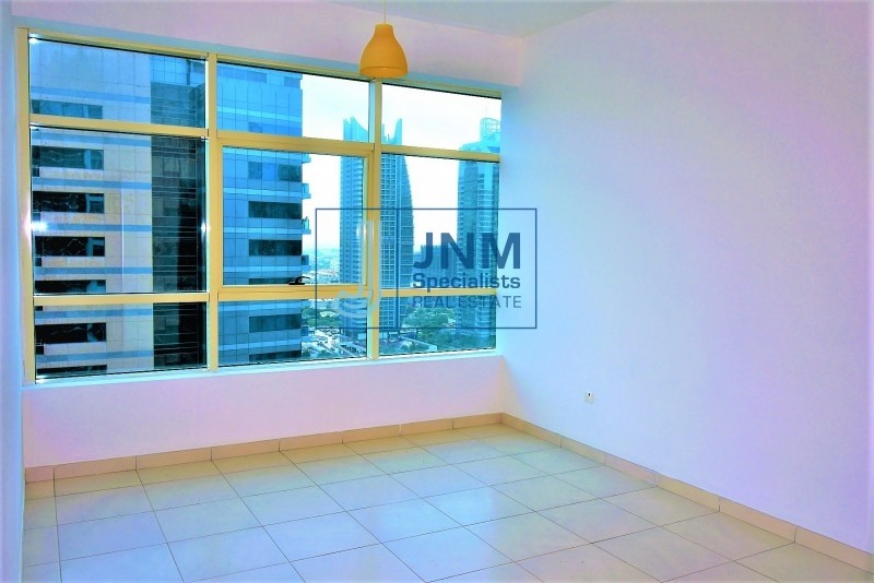 Well Maintained 2BR Apartment | Marina & Lake View