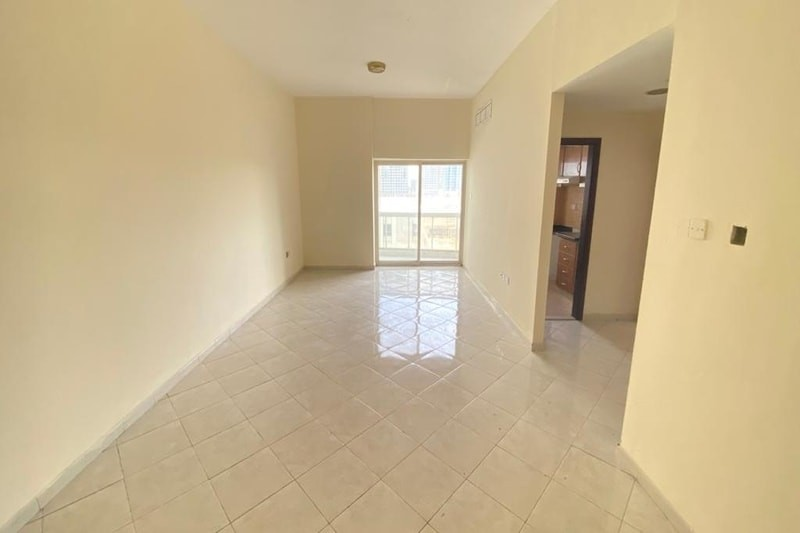 HOT DEAL! Spacious 1BR l 45K l Near From Marina Beach And JBR