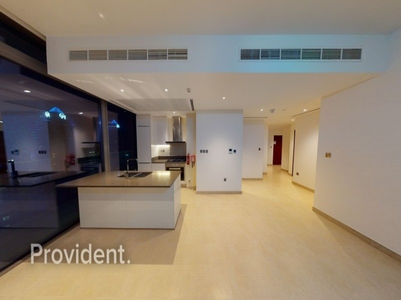 3BR+Maids  Corner Unit Stunning View Move in Ready