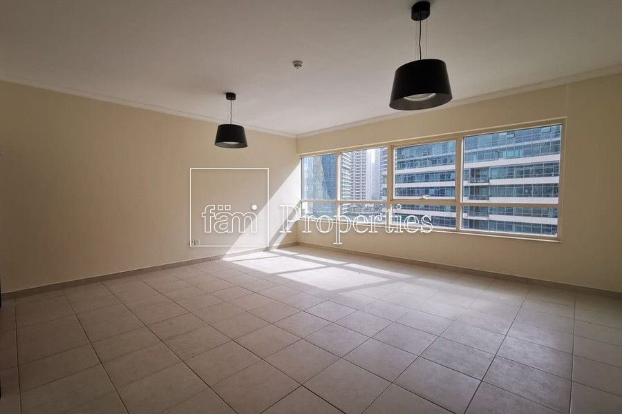 1 Bedroom Apartment with Beautiful Marina View