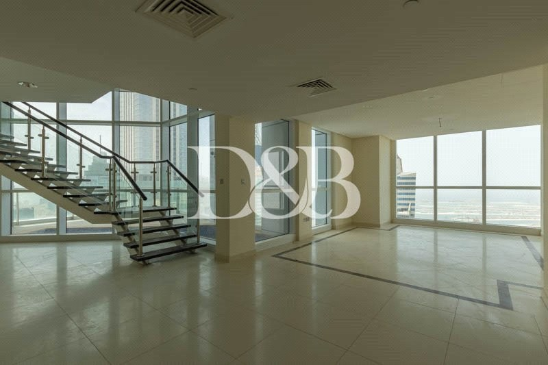 Huge Layout   360 Sea Views   Vacant Now