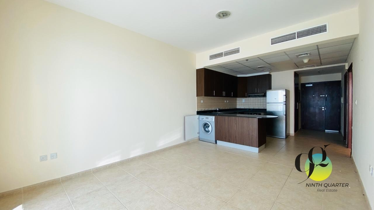Large 1bed ~ High Floor ~ Community View