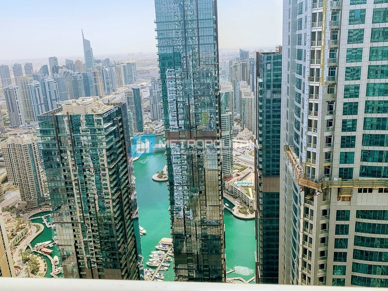 Fully Furnished/Marina and sea View/High Floor