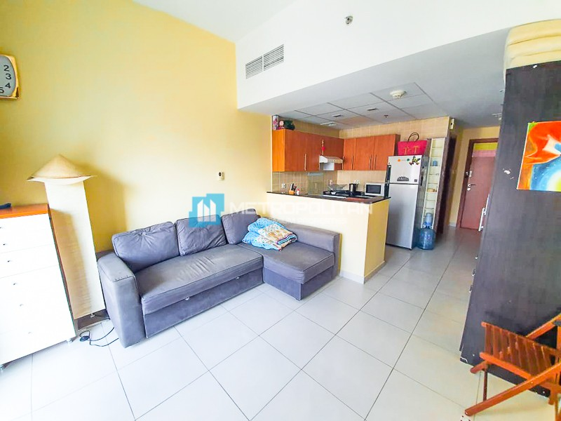 Fully furnished Studio apartment with marina view