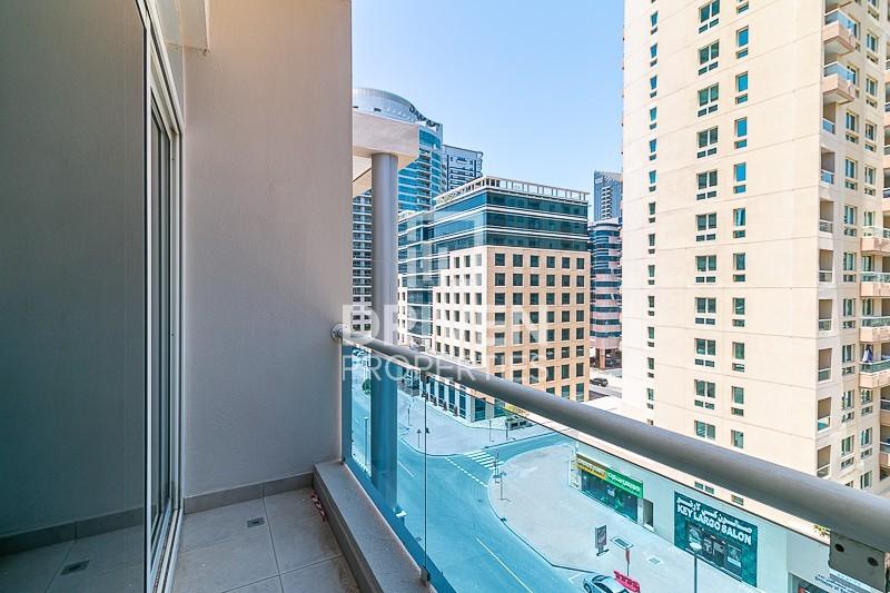 Vacant, Duplex 3 Bed Apt with Marina Views