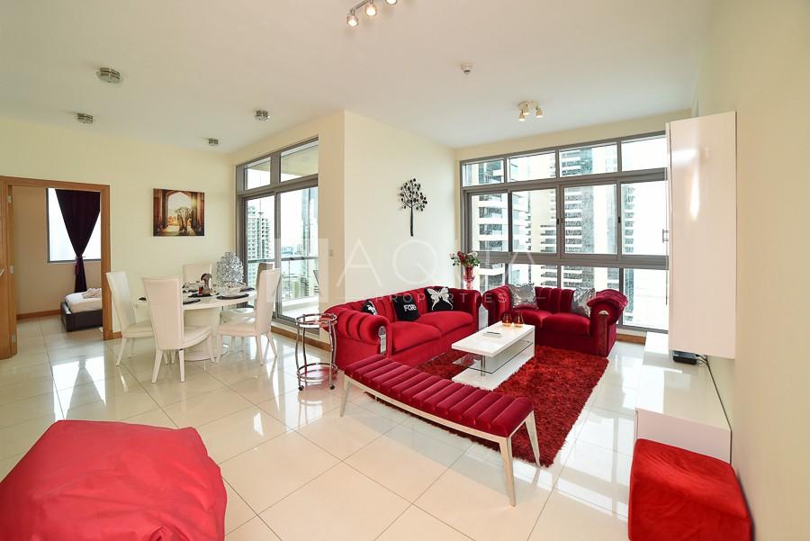 Luxury Apartment with Stunning Marina & Sea View