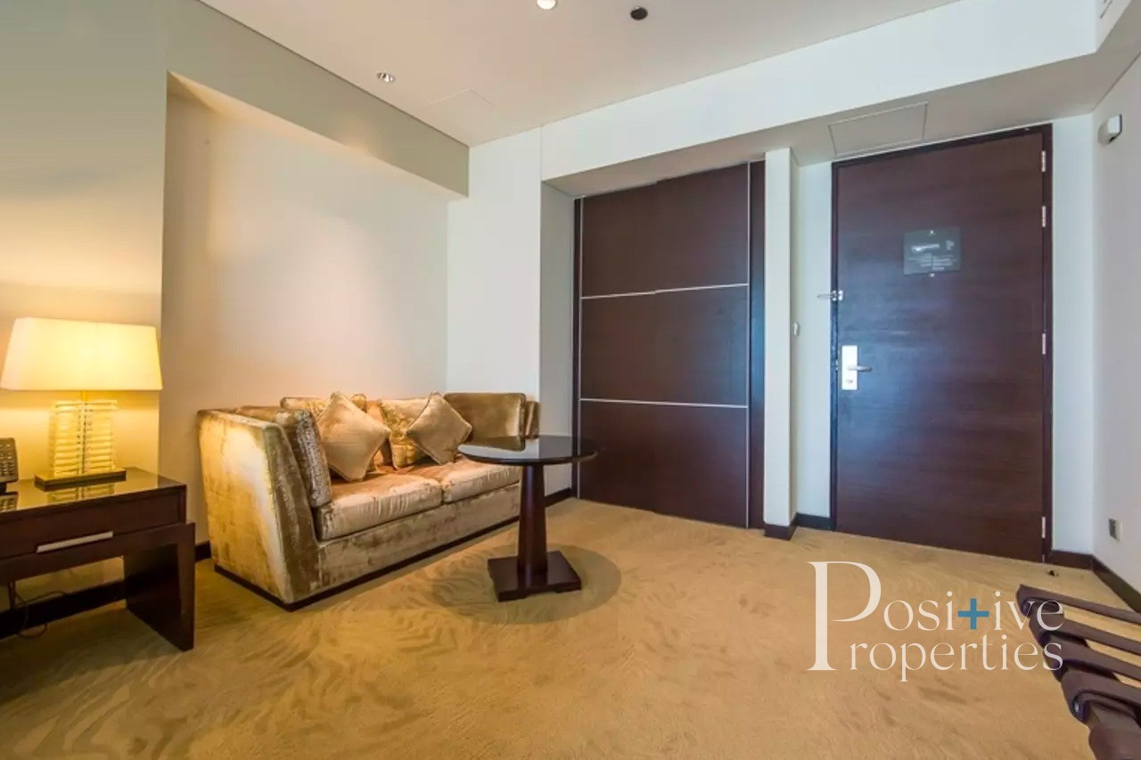 Beautiful Studio | High  floor | Marina view