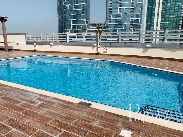 UPGRADED 1BHK CHILLER FREE IN MARINA FIRST