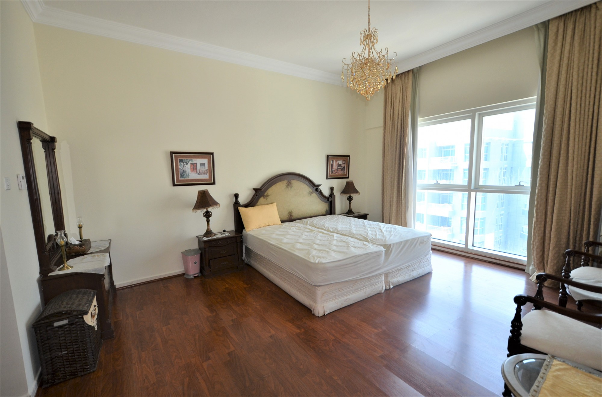 Large Terrace Stuning  Fully  Furnished Apartment