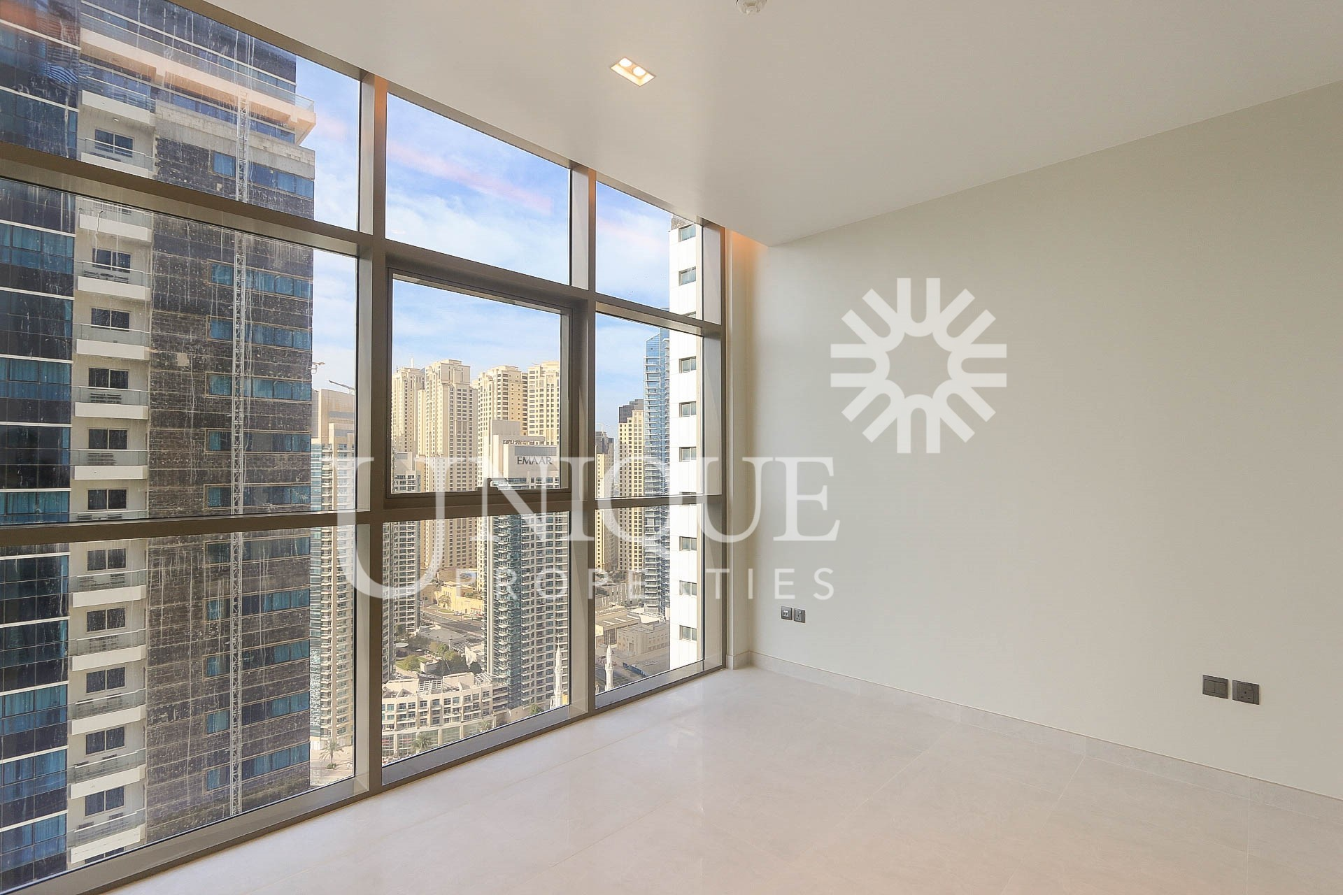 2BR Mid Floor Unit with Marina view