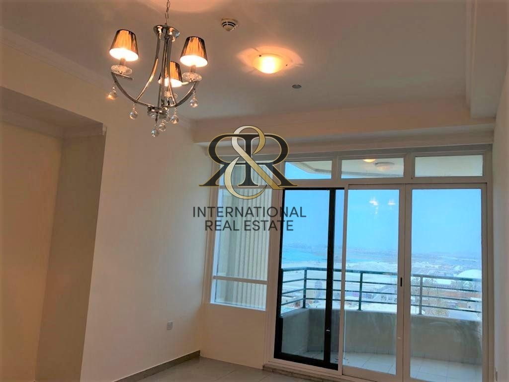 Well Maintained 1 Bedroom Apartment, Beautiful Sea View