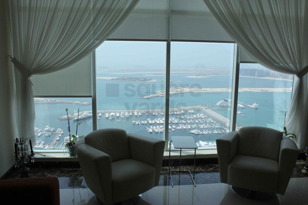 High Floor and Spacious 3BR l Emirates Crown Tower