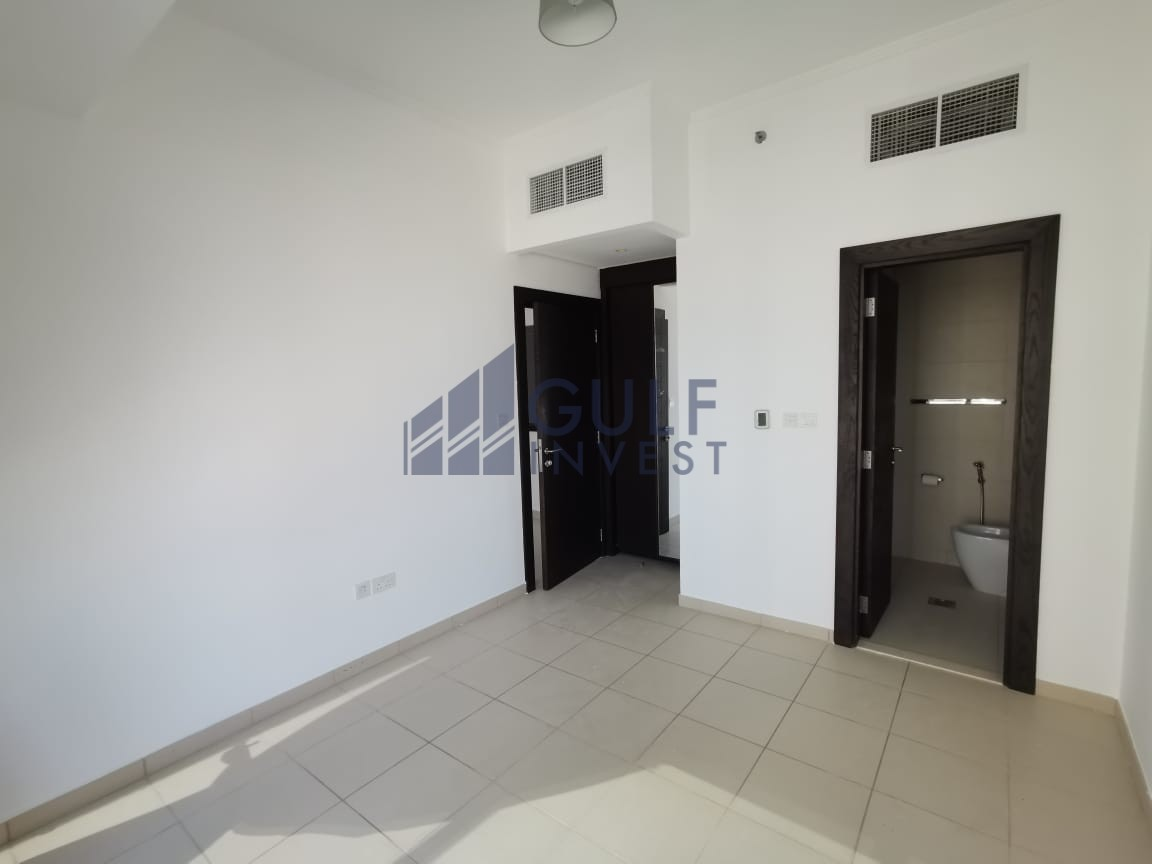 ULTRA MODERN BRIGHT UNFURNISHED 1 BR  POOL VIEW