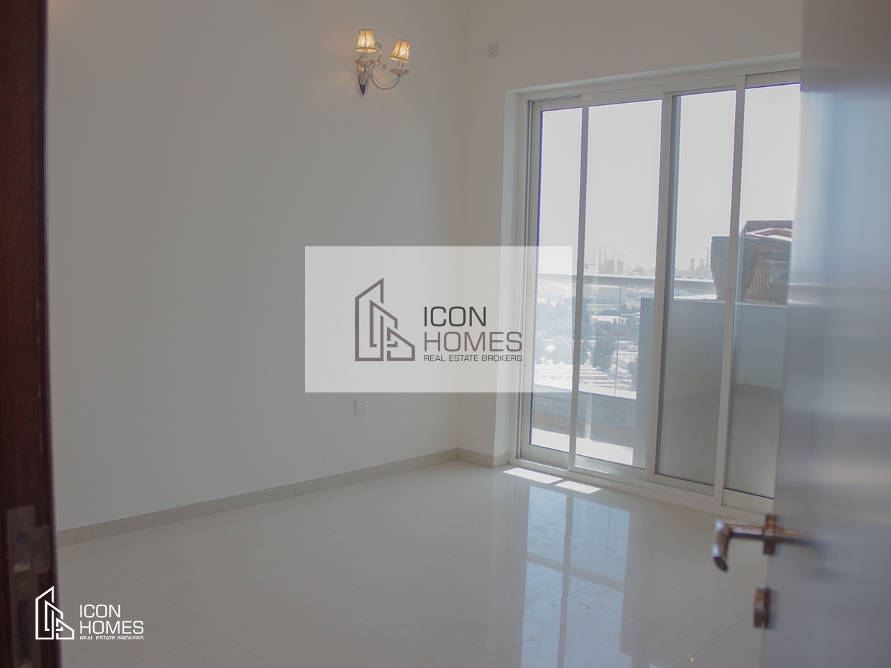 Amazing 3br | With Balcony | Huge Layout | Close to Metro