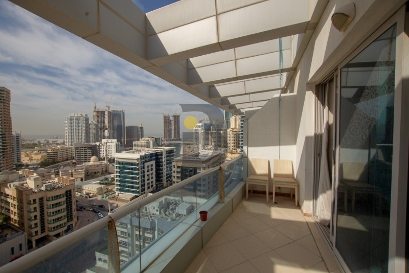Stunning 1 Bed | Chiller Free | Covered Parking | Available in August