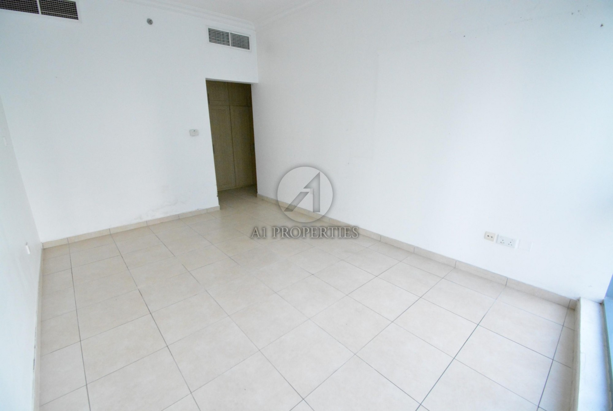 Higher Floor | Chiller Free, Marina View apartment