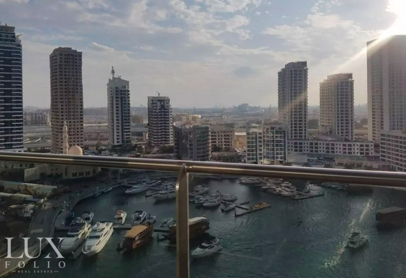 Marina View   Modern   Bright & Airy