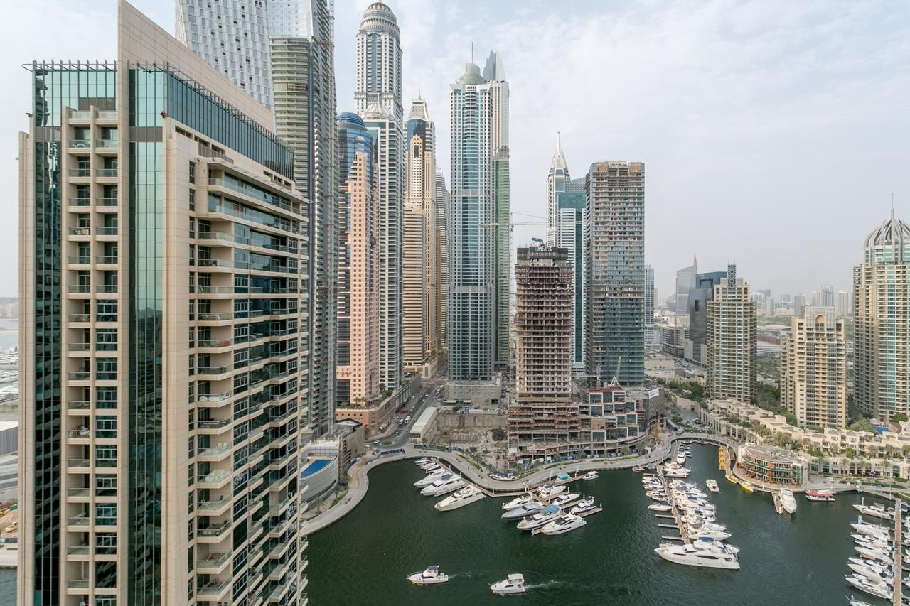 2 BEDROOM APARTMENT WITH PERFECT VIEW IN THE HEART OF DUBAI