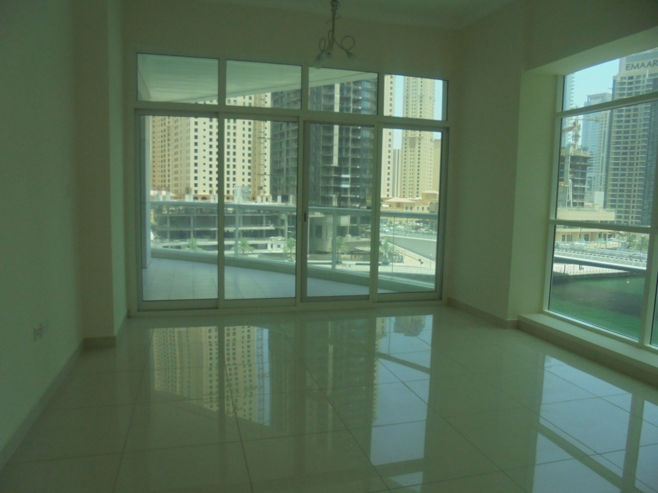 Well Maintained 2 BR   Huge Space with Big Balcony   Prime Location
