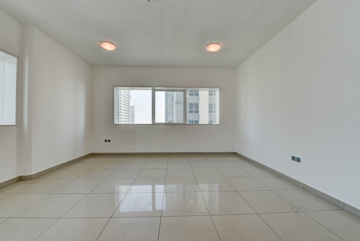 Chiller Free 2 Bed room with Community View