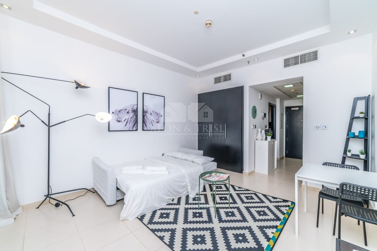 Vacant 25th September Full Marina View High Floor Furnished