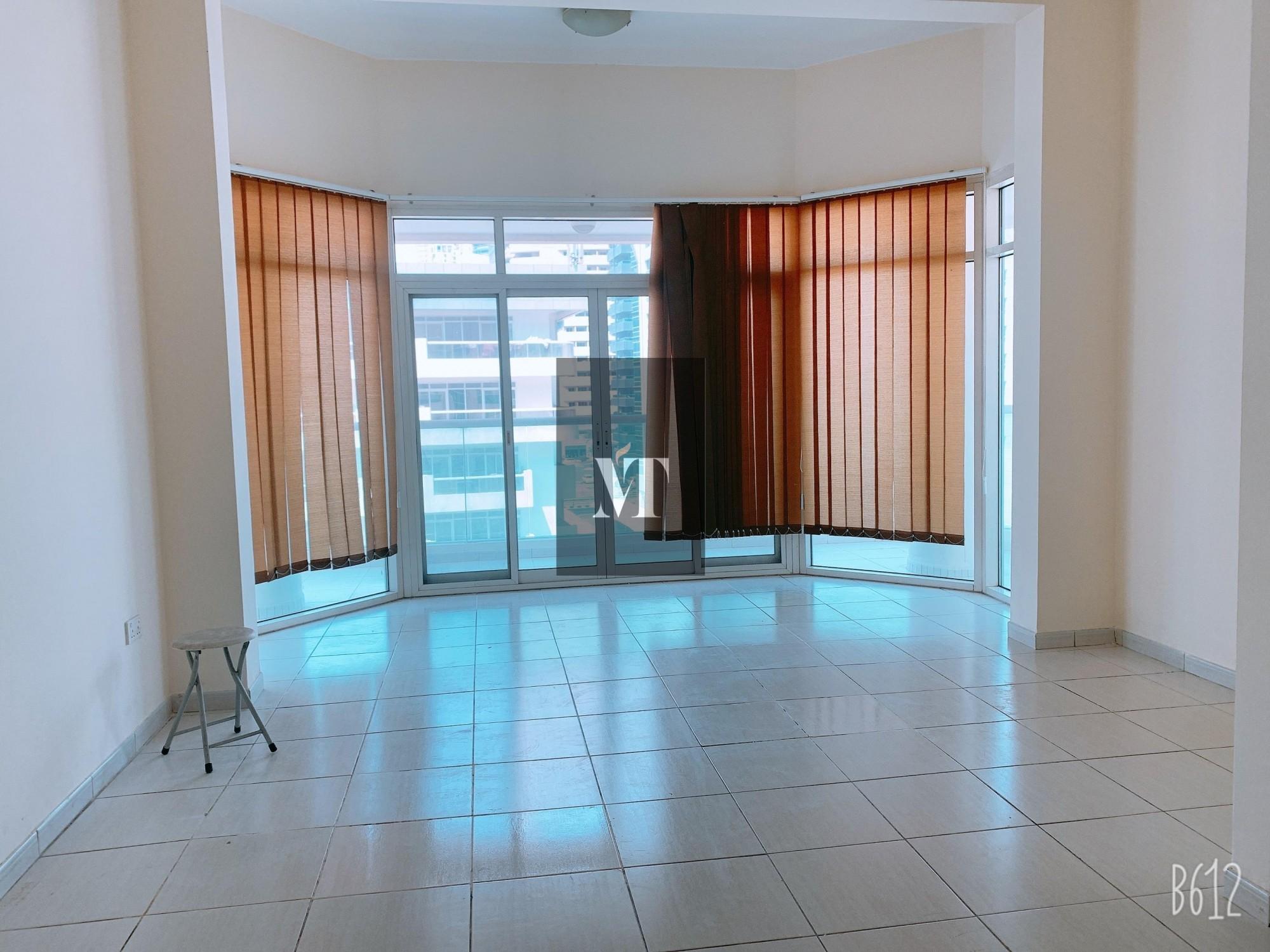 Large 1 Bedroom Marina Park Dubai Marina