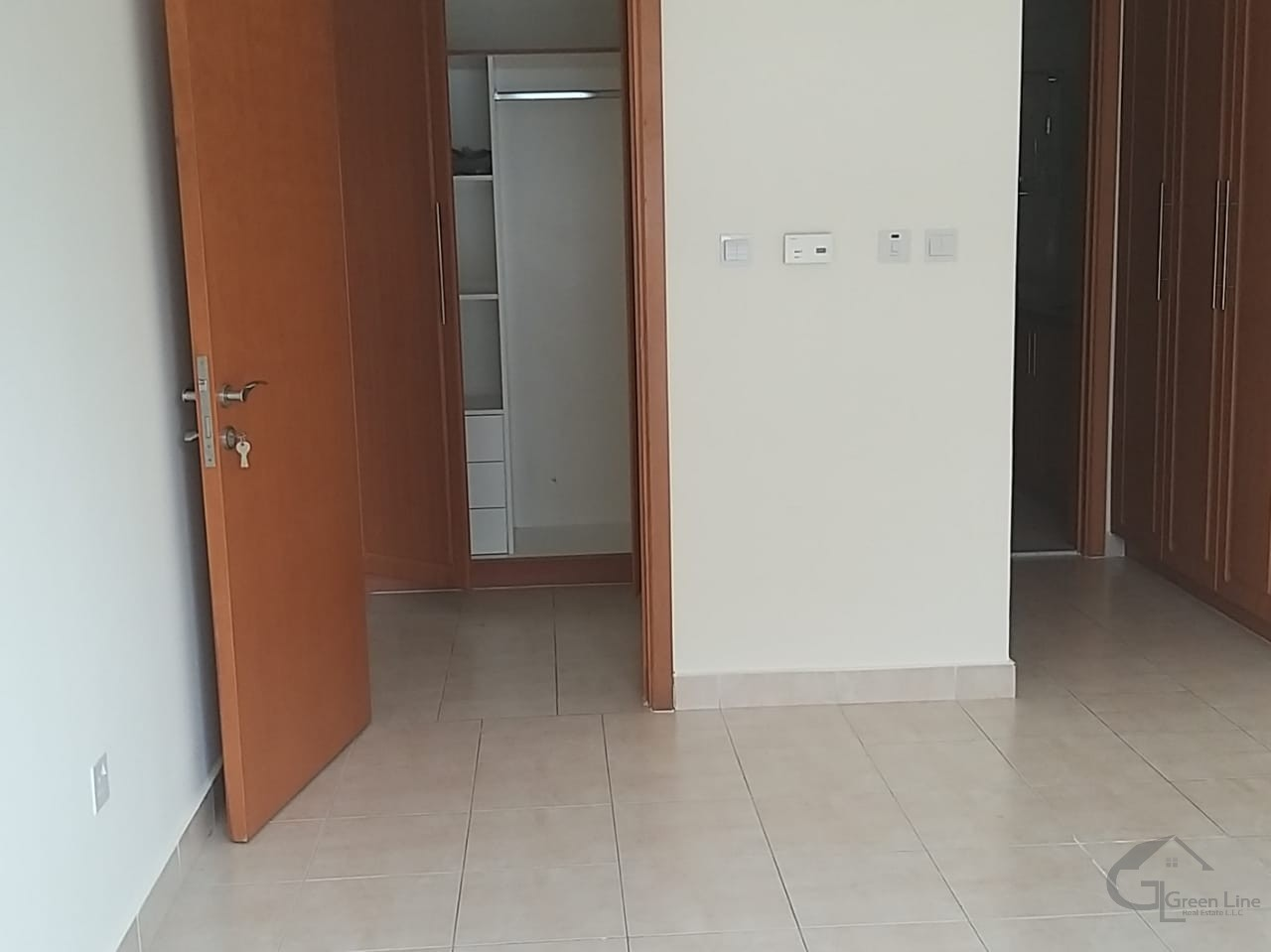 Nicely Maintained 1 BR I Facing Sea View I Spacious