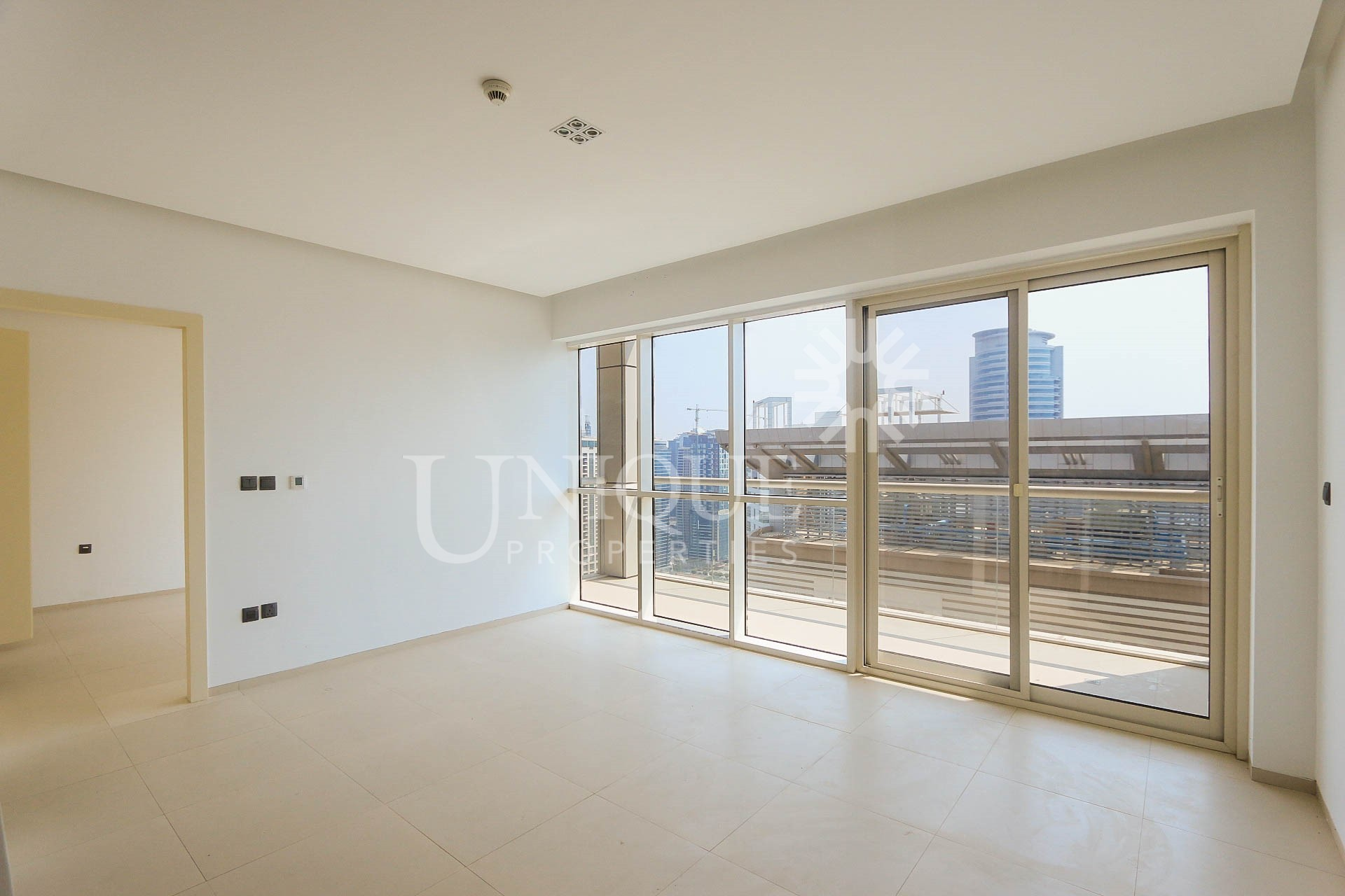 Vacant | On High Floor | Well Maintained Apartment