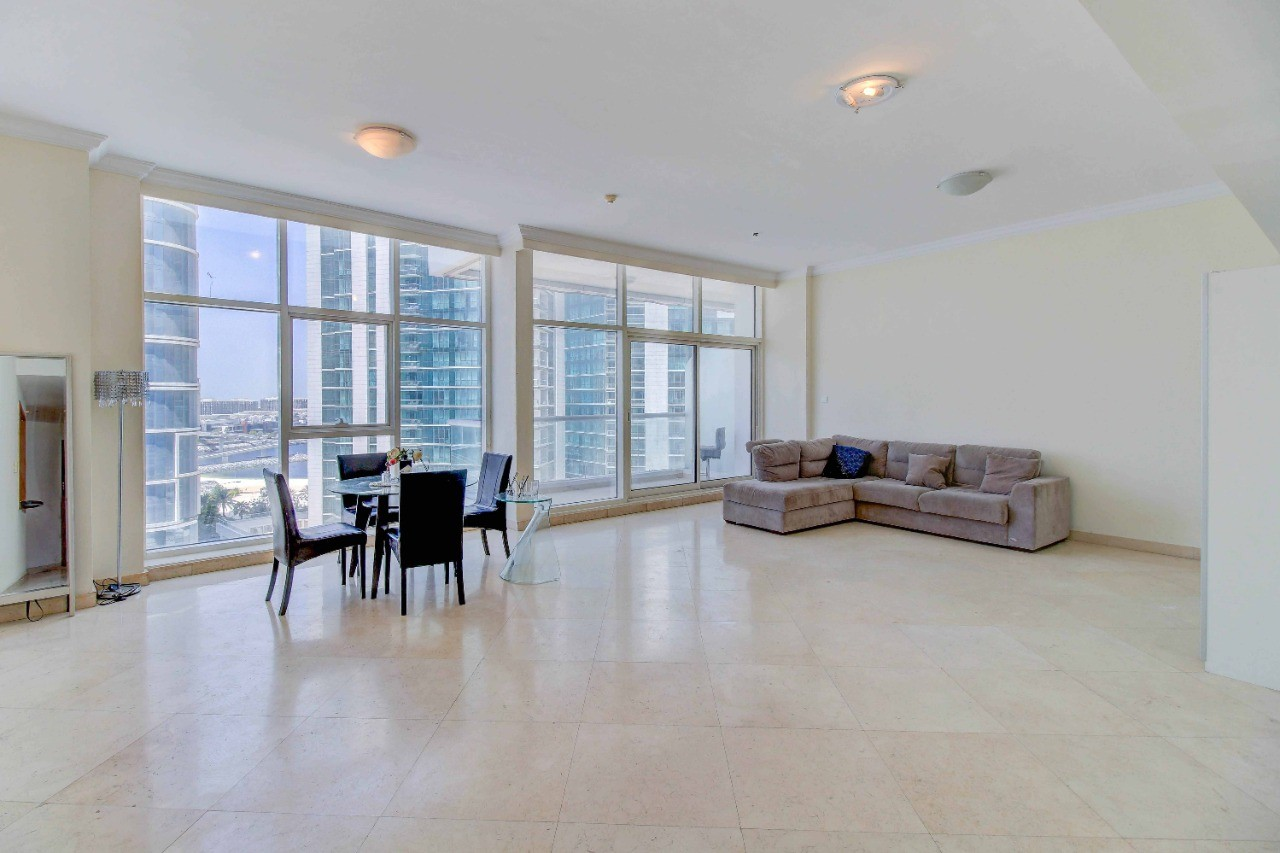 Amazing panoramic view / Spacious 3 BR apartment / 4-5 Cheques! (Negotiable)