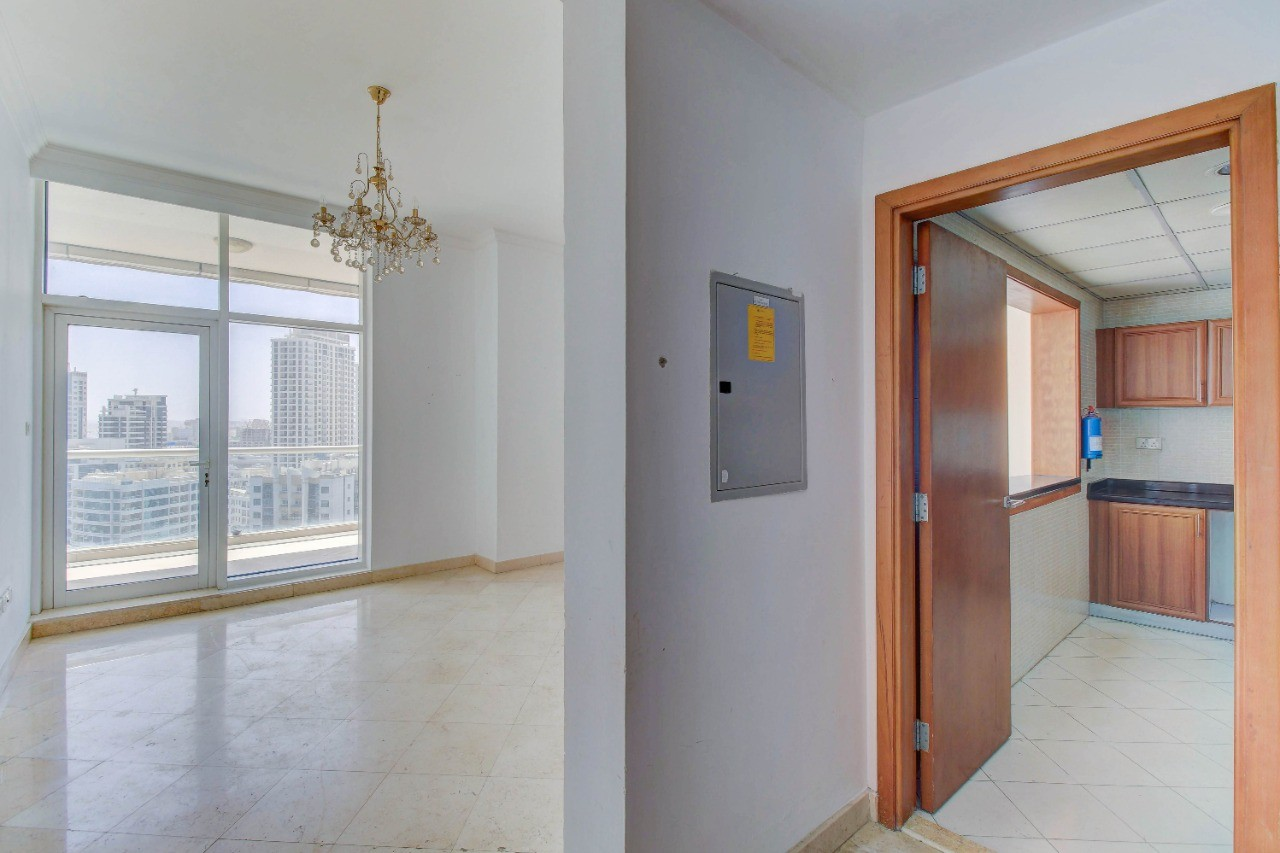 Unfurnished / Spacious 2 BR apartment / Amazing view