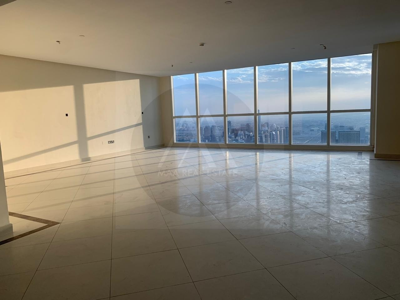 4 Bed Duplex Penthouse amazing Marina and  Palm Views ( 04 Vacant )