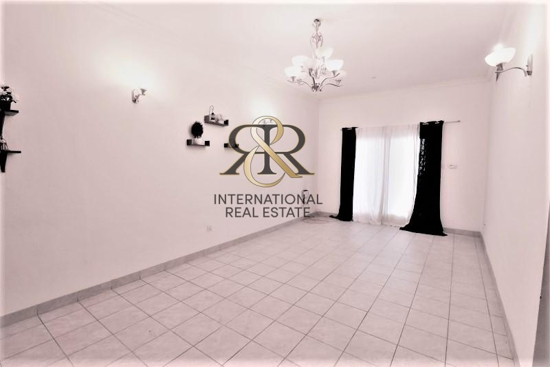 Spacious 2 Bedrooms with Balcony | Well Maintained