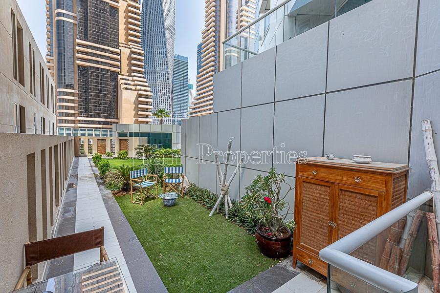Unique 1BR Duplex with Green Backyard