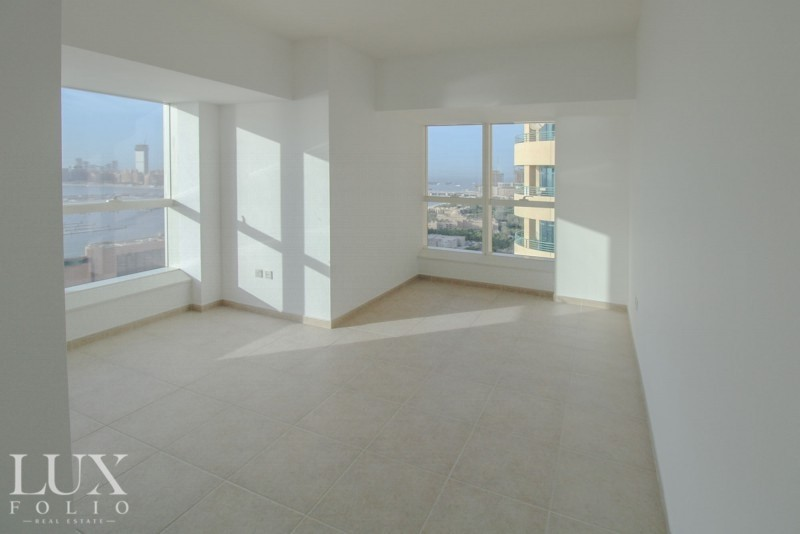 Bright 2BR   Full Sea View   Very Well Maintained
