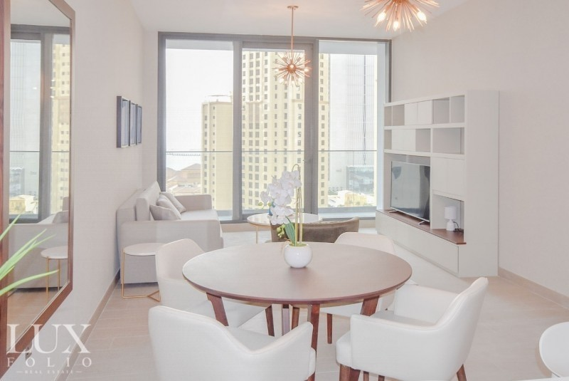 Furnished   Spacious   Modern   Available Now!