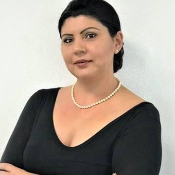Angela Parau
