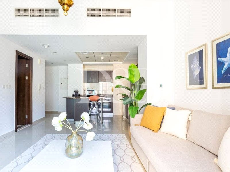 Real Deal | Stunning 1 Bedroom | Vacant