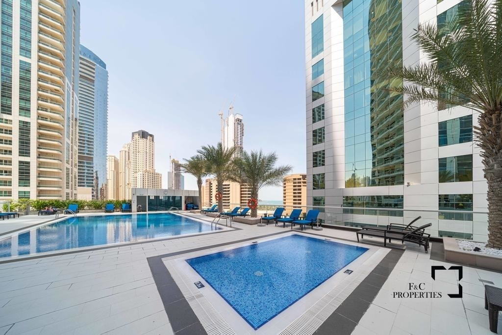 Top Floor 1br | Marina & Partial Sea View | Unfurnished